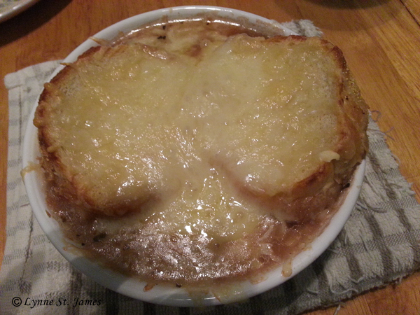 french, onion, soup, french onion soup, cheese, bread, gruyere, recipe, comfort food, lynne st. james