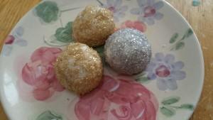 lynne st. james, christmas cookies, meltaways, mettallic meltaways